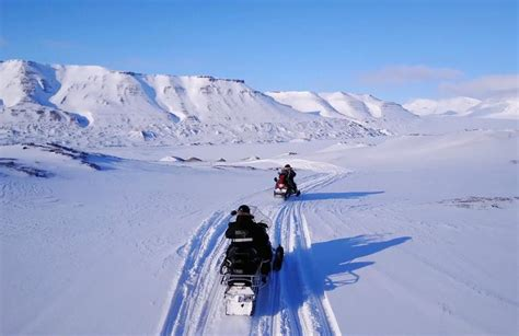 """Snowmobile trip to """"Little Russia"""" in Svalbard"""