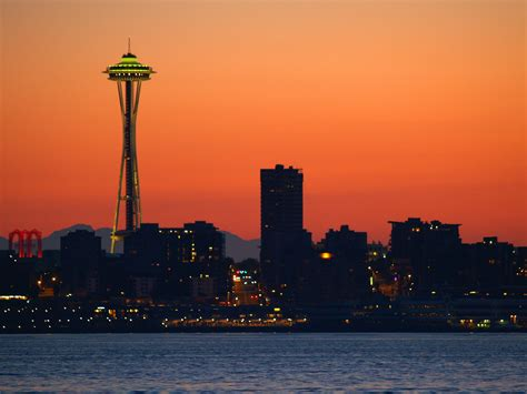 The Seattle Space Needle Is Getting A Glass-Bottomed