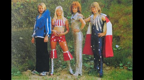 ABBA & those crazy OUTFITS! Onstage clothes Abba Agnetha