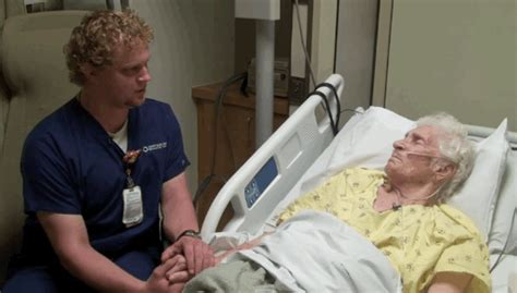 California Nurse Singing For His Elderly Patients Goes Viral