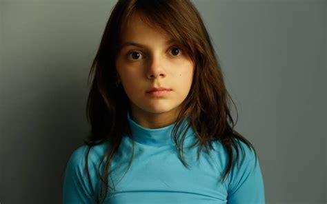 Dafne Keen Movies List, Height, Age, Family, Net Worth