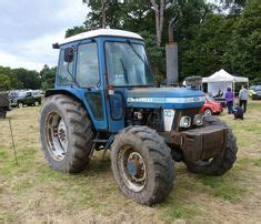 70: FORD 5610 4WD TRACTOR W/ROLL BAR CANOPY on   Tractors