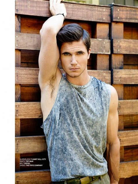 Eye Candy: Robbie Amell for Bello Magazine | THE MAN CRUSH